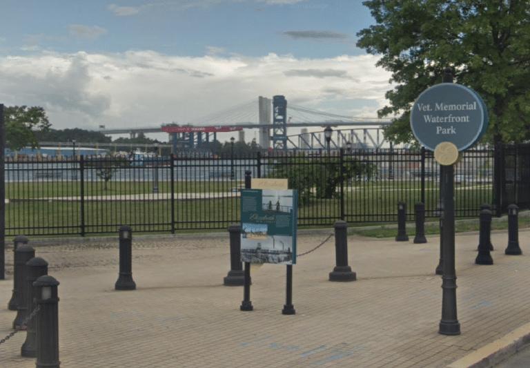 Veterans Memorial Waterfront Park 768x533